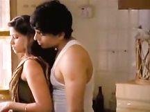 Calda casalinga indiana bacia appassionatamente suo marito