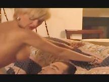 Roberto Malone fa urlare di piacere Teresa Visconti