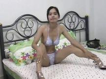 Affascinante puttana asiatica